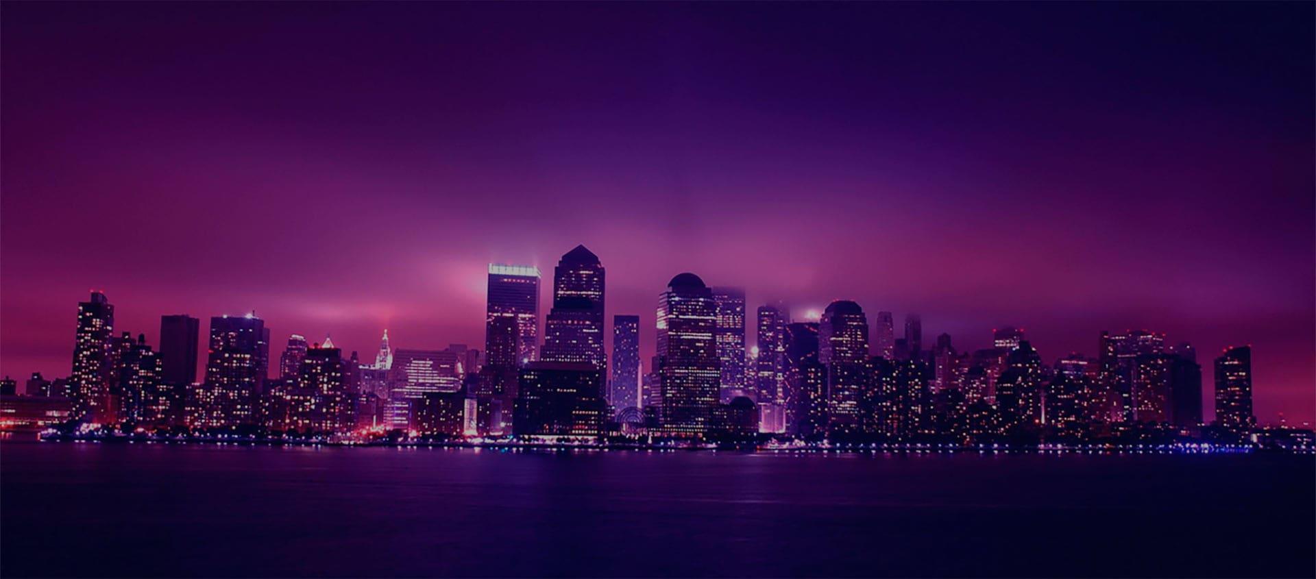 Horizonte noturno de uma metrópole